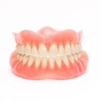 οδοντοστοιχία (Μασέλα) γλυφάδα